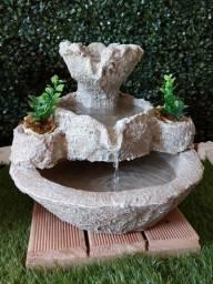 Fontes de Água Ornamentais - Bebedouro para pets gatos pássaros