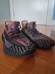 Adidas Tênis Yeezy Boost350 (infantil)