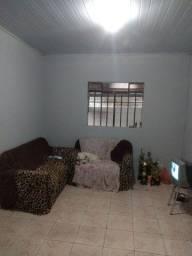 Casa de esquina com 3 quartos em Paranaguá