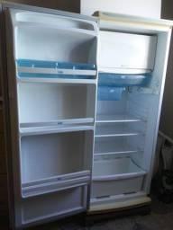 Vendo geladeira cce