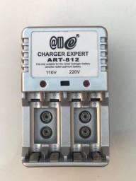 2 Carregadores de pilhas e baterias