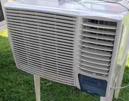 Ar Condicionado janela ou parede 18000 BTU F 220V Springer Silentia