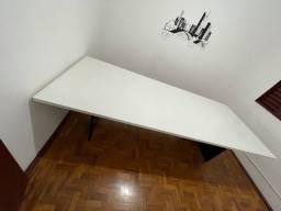 Mesa de reunião nova