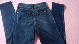 Calça jeans 38 usada uma vez