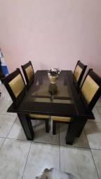 Jogo mesa com cadeiras
