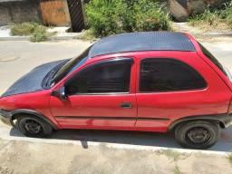 Vendo carro muito bom, carro basico, gasolina.