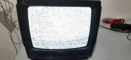 TV Philips 14 Polegadas Com Alça Para Auxiliar