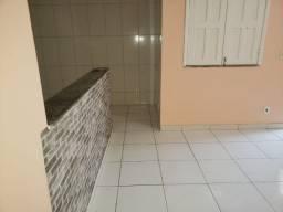 Alugo casa no Fontana com 2 quartos e quintal, Porto Seguro - BA