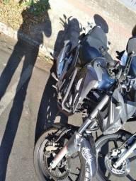 Vendo  moto cb twister 2019