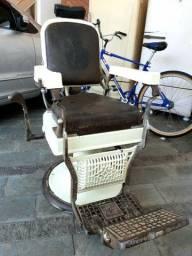 Cadeira de barbeiro antiga americana