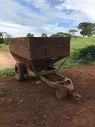 Carreta agrícola funil de ferro