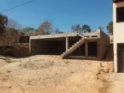 Excelente lote com costrução iniciada na melhor localização do bairro Santo André