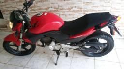 Moto ronda CB300