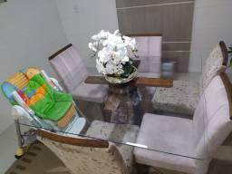 Mesa com Base e tampo de vidro