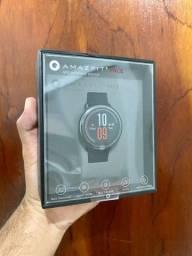 Smartwatch Xiaomi Amazfit Pace - lacrado, com GPS e tela sempre ativa