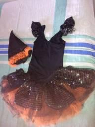 Fantasia Bruxa halloween de Tam 5/6 anos R$ 70,00