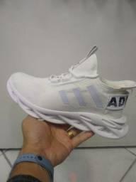 Tênis Adidas Yezzy