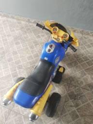 Motocicleta elétrica infantil
