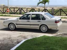 Carro antigo à venda