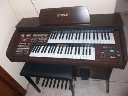 Orgão eletronico Tokai D2