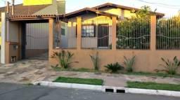 Casa com piscina no Parque Amador!