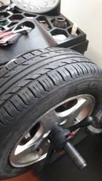 Balanceadora de pneus, lançamento!!!, menos de 1 ano de uso.