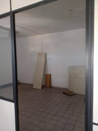 DI- 1077- Aluguel de sala comercial no bairro Aterrado em Volta Redonda/ RJ