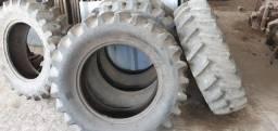Diversos pneus 12.4-24 usados