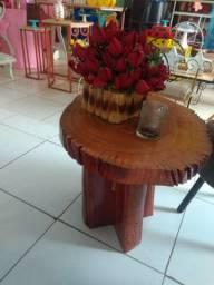 Vendo essas mesas de madeira