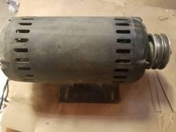 Motor elétrico trifásico de 5hp de alta