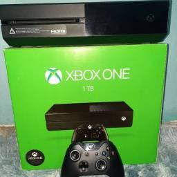 Xbox One 1TB (sem a fonte)
