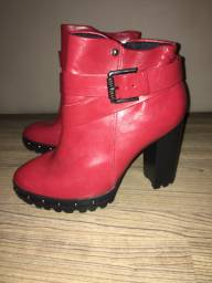 Vendo bota vermelha Ramarim
