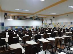 Alugo esta escola mobiliada para 760 alunos por turno