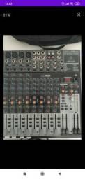 Equipamentos profissionais de som