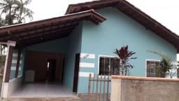 Aluga-se casa de Alvenaria, 2 Quartos, Churrasqueira, Garagem