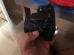 Vendo Câmera semi profissional NIKON