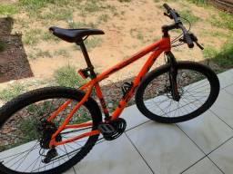 Bicicleta aro 29 vendo ou troco.