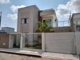Duplex alto padrão no Bairro Recanto dos Lagos.