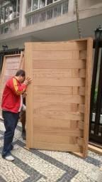 Porta Pivotante Passione - madeira angelim - melhor preço do Rio - parcelamos em 10x