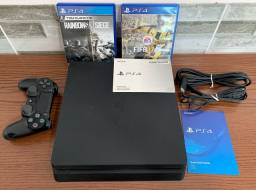 PlayStation 4 - PS4 Slim - Cabos e Jogos