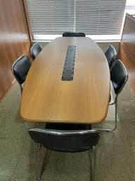 Mesa de reunião retangular com 6 cadeiras