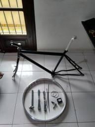 Quadro de bike e acessorios novos