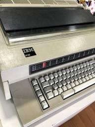 Máquina de escrever elétrica IBM 6746