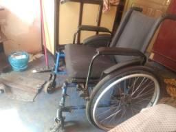 Título do anúncio: Eu estou precisando urgente de uma cadeira de rodas