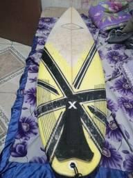 Prancha de surf 5.10 pra trocar em uma 6.0 ou 5.11 com borda grossa ou vender