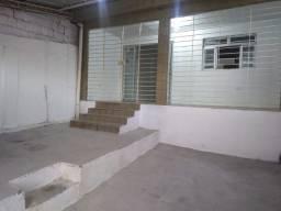 Excelente casa em Ouro Preto, 02 quartos, 126 m², com Água e IPTU inclusos no aluguel