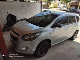 Vendo ou troco Chevrolet Spin LT 1.8 Prata 2014  GNV 5 Geração