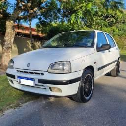 Clio 1997 1.6 ar gelando