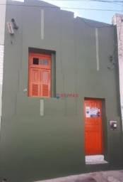 Casa com 3 dormitórios para alugar por R$ 700,00/mês - Centro - Campina Grande/PB