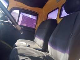 Caminhão MB 1513 poliguindaste.